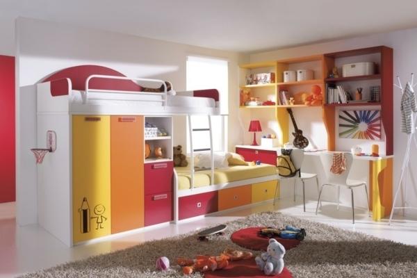 Le Lit Mezzanine Avec Bureau Est L'ameublement Créatif Pour Les à Chambre A Coucher Avec Lit Meuble Enfant